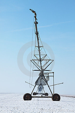 Irrigation pivot in winter