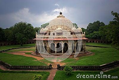 Isa Khan Niyazi s Tomb in Delhi