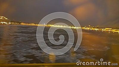 Isdriva på floden Neva lager videofilmer