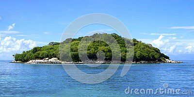 Island Covered With Green Trees Under The Clear Skies Free Public Domain Cc0 Image