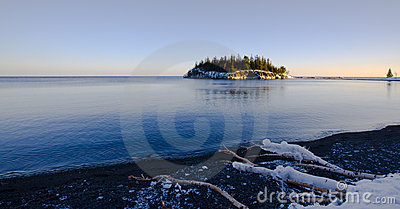 Island in December on the North Shore