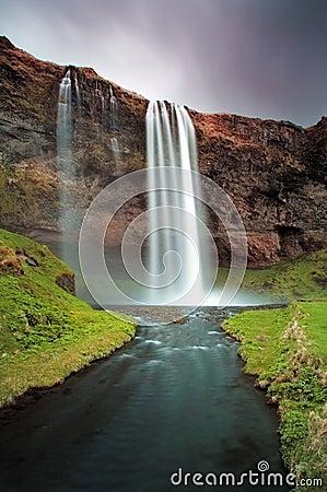 Island-Wasserfall - Seljalandsfoss
