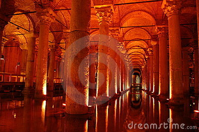 Istanbul landmark sightseeing Yerebatan cisterns