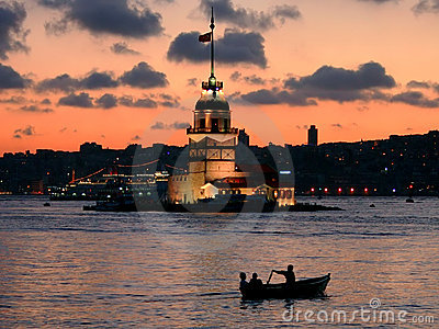 Istanbul Leanders Tower at dusk