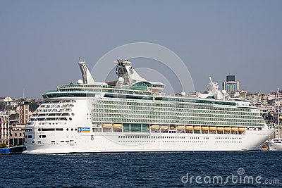 ISTANBUL, TURKEY - OCT 8TH: The cruise ship Mariner of the Seas Editorial Stock Image