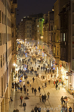 Istiklal gata i Beyoglu, Istanbul-Turkiet Redaktionell Arkivbild