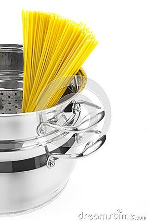 Italian cooking / saucepan with spaghetti