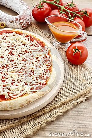 Italian cuisine: pizza margherita