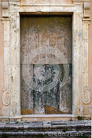 Free Italian Door Of The Church Very Old And Ruine Royalty Free Stock Photos - 47697948