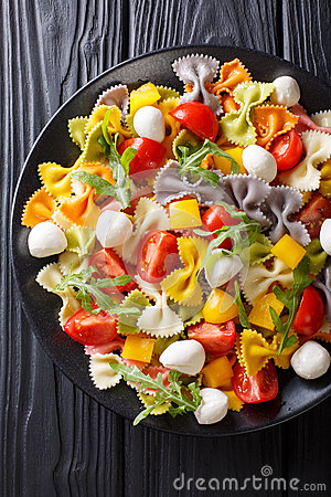 Free Italian Food: Farfalle Pasta With Vegetables And Mozzarella Clos Stock Image - 91127701