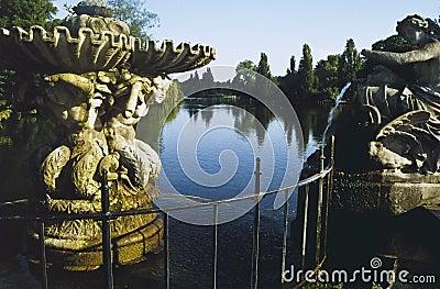 Italian fountains hyde park london