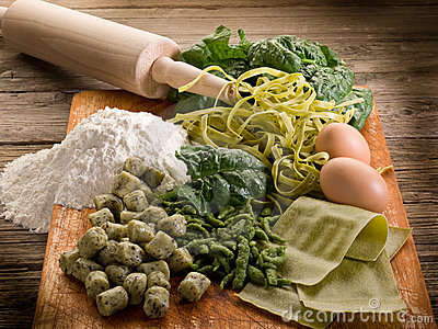 Italian homemade spinach pasta