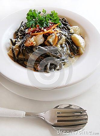 Free Italian Pasta Linguine With Sea Food Stock Photography - 5296882