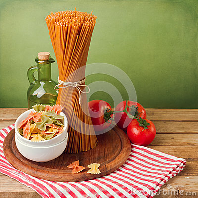 Free Italian Pasta With Tomatoes Stock Images - 30791424