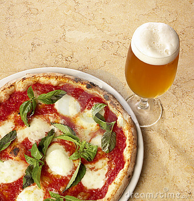 Free Italian Pizza And Beer Stock Image - 7908561