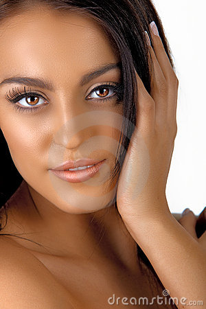 Italian tanned woman with natural make-up