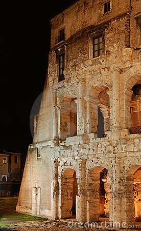 Italy. Roma. Colosseo (Coliseum) at night