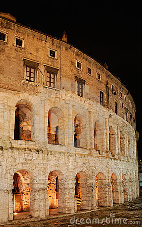 Italy. Roma. Colosseo (Coliseum) at night.