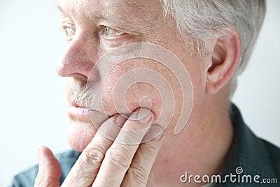 Itchy rash on man s face