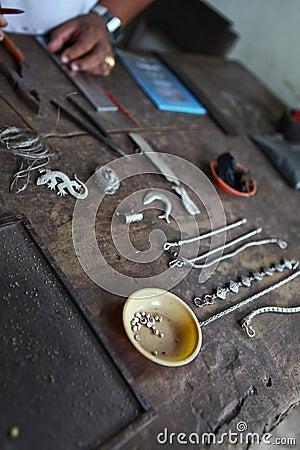 Items de plata de la joyería