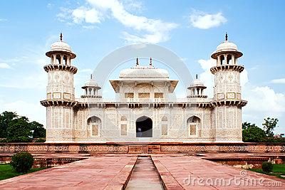 Itimad ud Daulah tomb in Agra