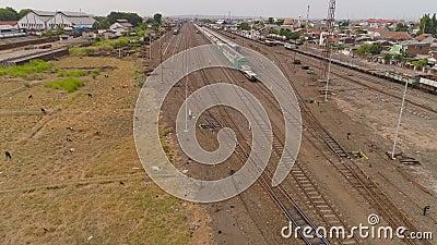 Järnvägsstationen i Surabaya Indonesia lager videofilmer