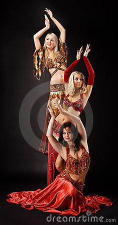 Język arabski kostiumu tana trzy kobiety potomstwa