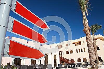 Jaśni hotelowi czerwień znaki