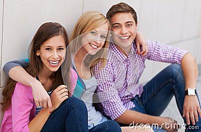 Ja target793_0_ trzy młodzi ludzie