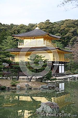 Japan temple Kinkakuji