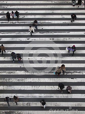 Free Japanes People On A Crossing Royalty Free Stock Photo - 106385315