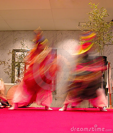 Japanese dancers motion
