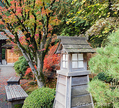Free Japanese Garden Park Benches In The Fall Royalty Free Stock Image - 21805056