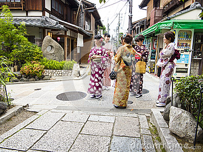 Today we have a guest post from Michael Baxter of KyotoFoodie and Open Kyoto on behalf of Takaokaya: the only traditional cushion shop in Kyoto that still makes their ... dating