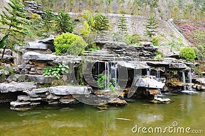 Jardin chinois de jardin de rocaille photos libres de for Conception jardin chinois