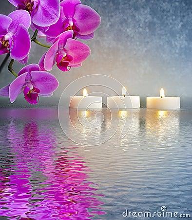 Jardin japonais de zen avec des lumi res de bougie photo for Jardin japonais zen avec galets et bougies