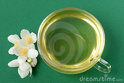 Jasmine tea on green