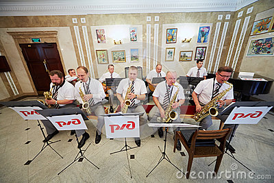 Jazz-band performs in foyer Editorial Stock Image