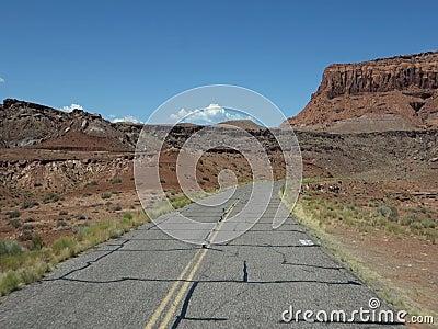 Jechać przez pustyni w lecie