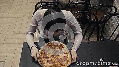jedzenie szkodliwy Łasowanie plasterek pizza zbiory wideo