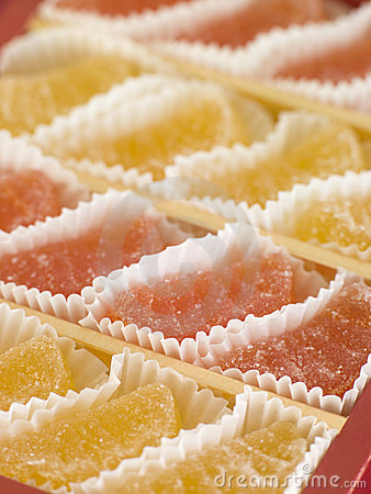 Jellied fruits in paper cases