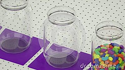 Jelly-bonen vallen in transparante verticale potjes, naadloos loopable met alpha-masker in zwart-wit van 4K UHD stock videobeelden