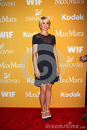 Jenna Elfman arrives at the City of Hope s Music And Entertainment Industry Group Honors Bob Pittman Event Editorial Stock Photo