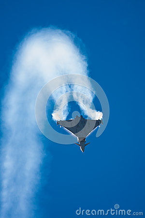 Free Jet Fighter Trail Royalty Free Stock Photo - 26954215