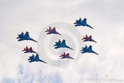 Jet fighters in formation