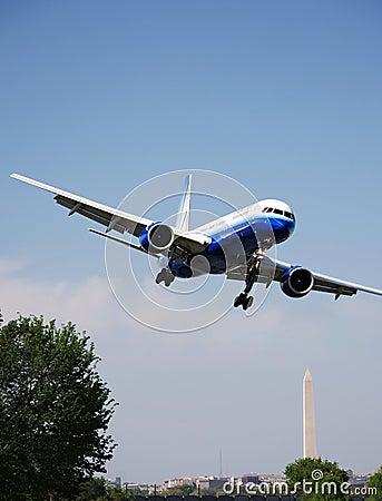 Jet Landing Washington DC