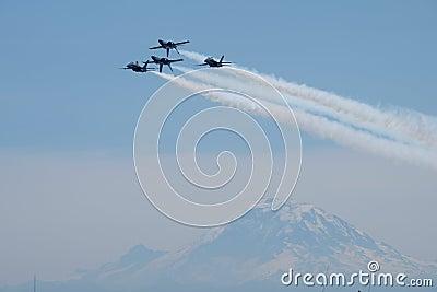 Jet Plane Air Show During Daytime Free Public Domain Cc0 Image