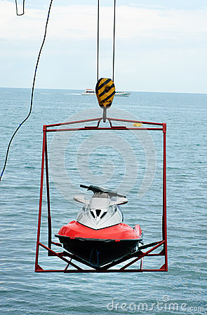 Jet ski lift for dry storage