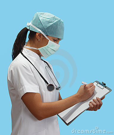 Jeunes de femme de docteur