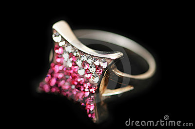 Jewel ring with white and pink